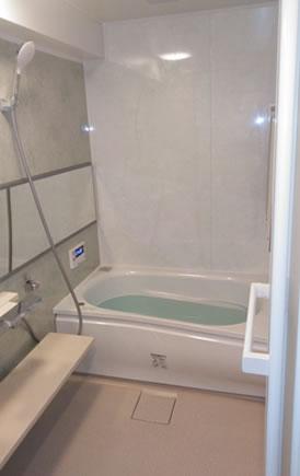 「横長の鏡でスタイリッシュなバスルームに」をUPしました!