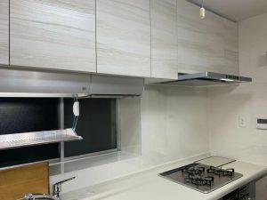 無駄な空間を収納に クリナップ/ラクエラでキッチンリフォーム